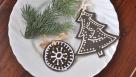 Ciasteczkowe bombki ze sklejki - prosty pomysł na ozdobę świąteczną