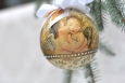 Decoupage krok po kroku - bombka z aniołkami na  Boże Narodzenie